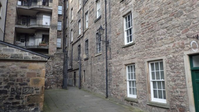 Apartment in Tweeddale Court