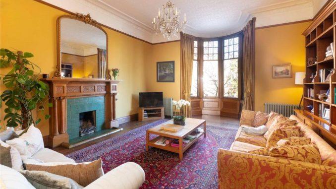Dowanside Road - living room